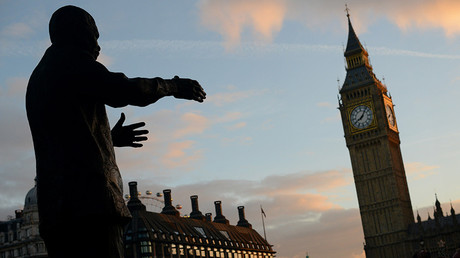 The statue of Nelson Mandela in Parliament Square, London © Peter Kollanyi / Global Look Press