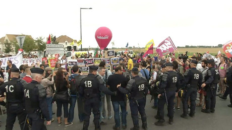 French labor reform protesters denounce Macron's 'assault on workers' rights' (VIDEOS)