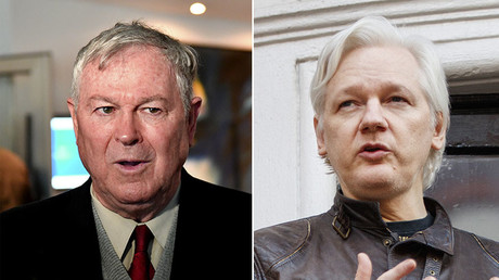Dana Rohrabacher (L), Julian Assange (R). © Global Look Press