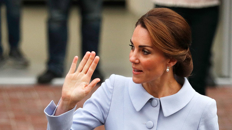 Topless photos of Kate Middleton land French magazine with €103,000 bill