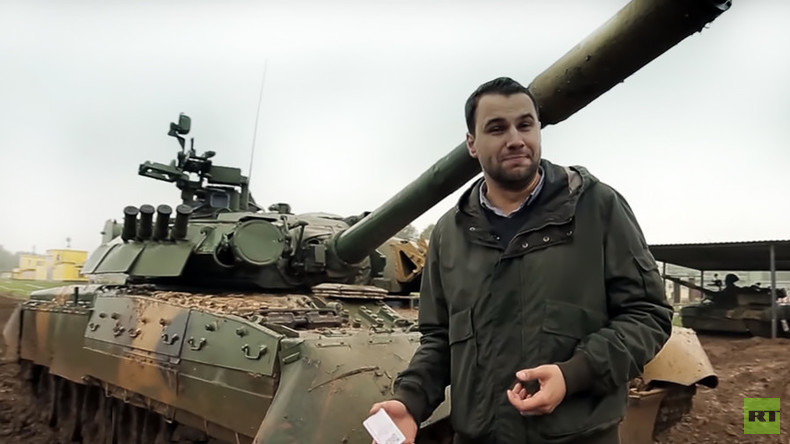 Mud & steel: RT reporter test-drives T-80 Russian battle tank (VIDEO)