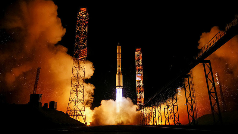 Proton M lifts off with Spanish telecommunication satellite (VIDEO)