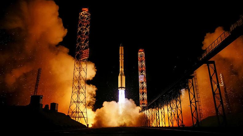 Proton M lifts off with Spanish telecommunication satellite (VIDEO)