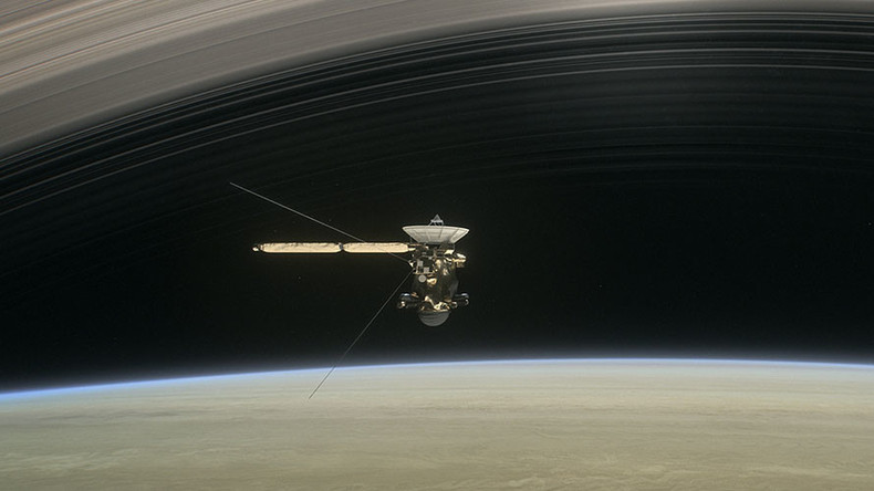 Cassini spacecraft completes 'goodbye kiss' and turns to face its fiery death (VIDEOS)