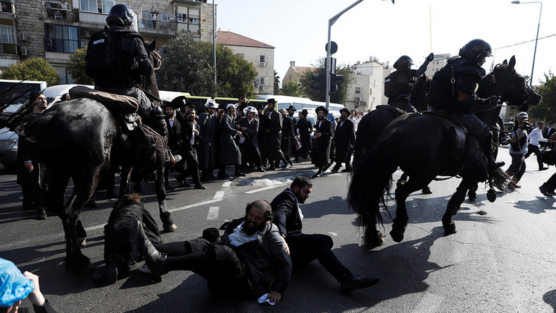 9 arrested after Orthodox Jews clash with police in Jerusalem over military draft (VIDEOS)