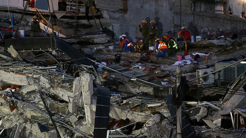 6.2 magnitude quake felt in Mexico City, citizens evacuate onto streets (PHOTOS, VIDEOS)