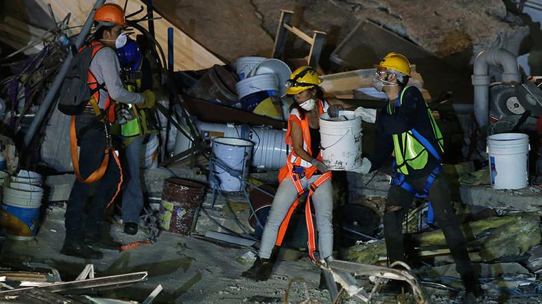 Magnitude 5.7 quake strikes off Mexican coast