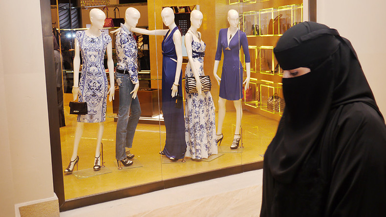 62% of Danes support burqa ban, but law faces opposition from establishment parties