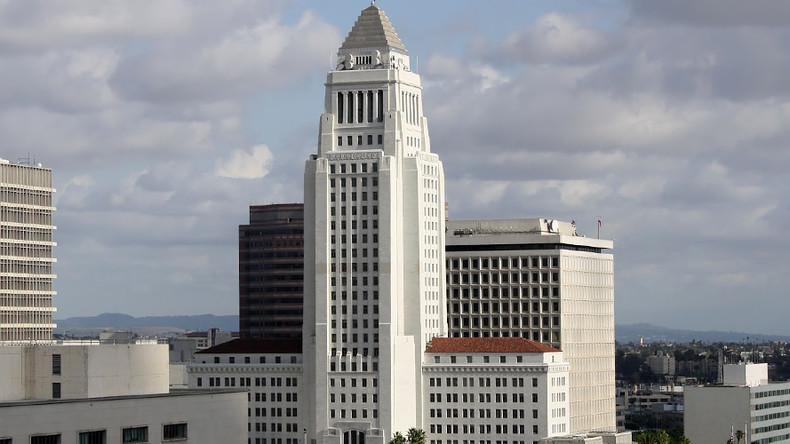 Los Angeles city hall evacuated after bomb threat