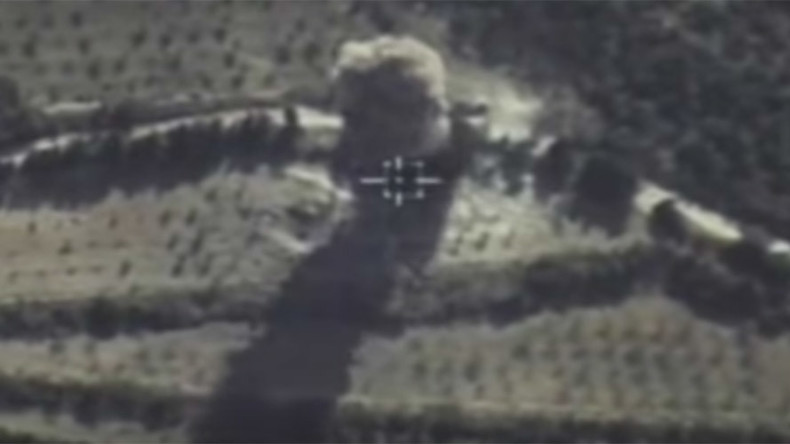 Russian MoD releases footage of airstrikes on terrorists in Syria (VIDEOS)