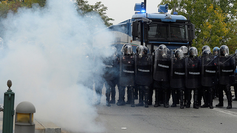 Tear gas fired as anti-G7 protesters clash with police in Turin, Italy (VIDEOS)