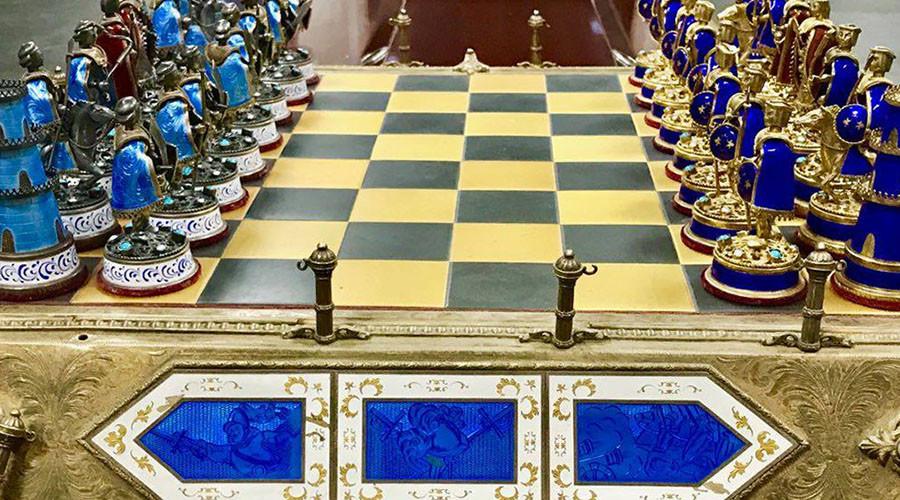 US returns Saddam Hussein's stolen antique chessboard (PHOTOS)