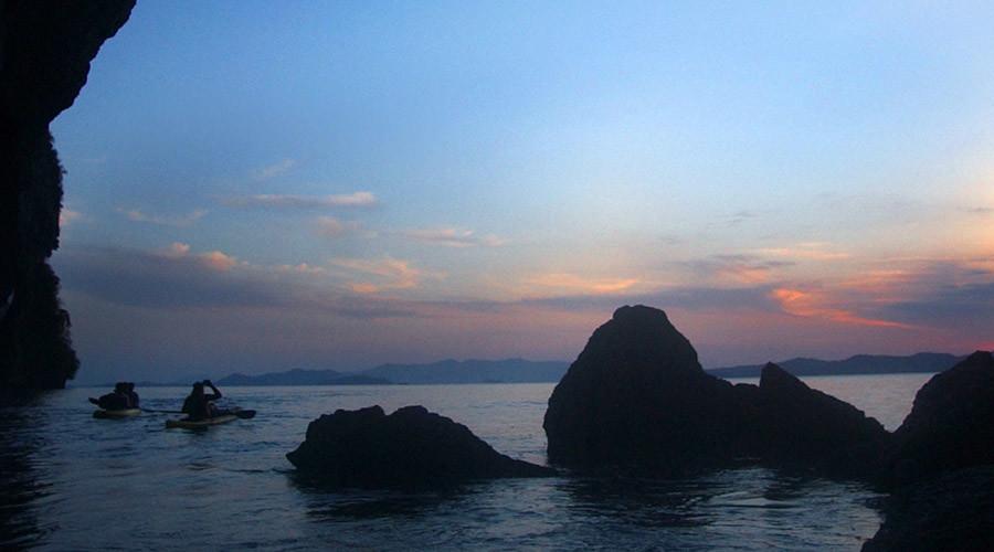 14yo girl serially raped by 40 men on Thai island - reports
