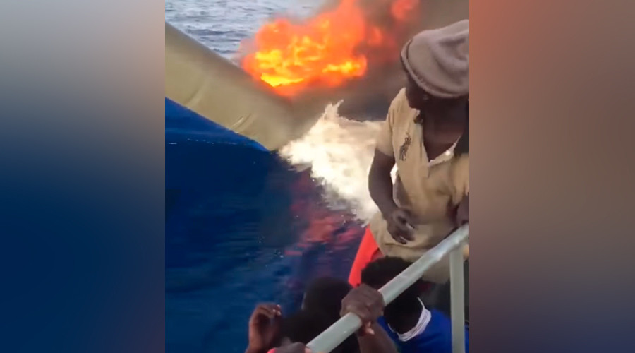 Libyan coastguard burn refugee vessel in Mediterranean (VIDEO)