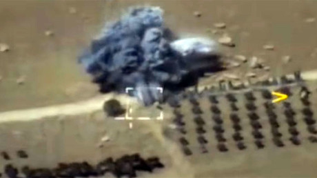 Russian warplanes bomb ISIS position as Damascus pushes forward to Deir ez-Zor (VIDEO)