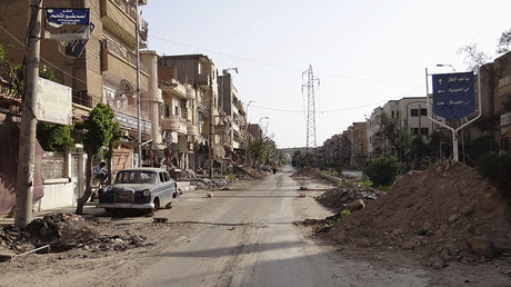 A view of a damaged street in Deir al-Zor, eastern Syria. © Mohamed al-Khalif