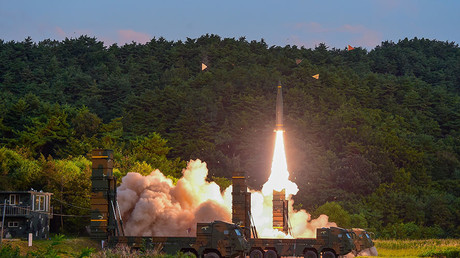 South Korean troops fire Hyunmoo Missile into the waters of the East Sea at a military exercise in South Korea September 4, 2017. ©Defense Ministry / Yonhap
