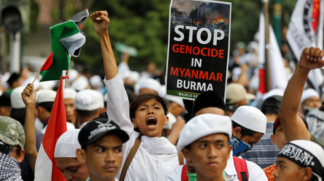 A man shouts during a protest led by Islamist groups near the Myanmar embassy protesting against the treatment of Rohingya Muslims, in Jakarta, Indonesia September 6, 2017 © Darren Whiteside