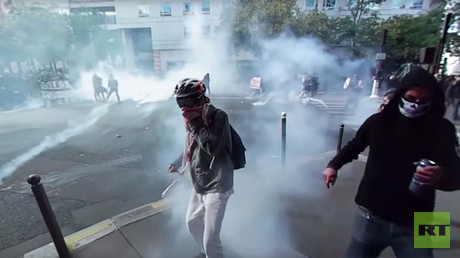 Smoke & stones: Paris anti-labor reform protest turns violent (360 VIDEO)