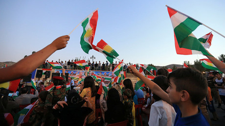 People celebrate to show their support for the upcoming September 25th independence referendum in Duhok, Iraq © Ari Jalal