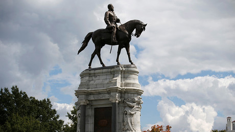 The statue of Confederate General Robert E. Lee in Richmond, Virginia, US, September 16, 2017 © Joshua Roberts