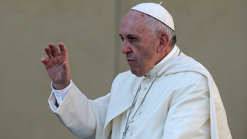 'Utopia of neutral': Pope Francis slams gender-changing technologies