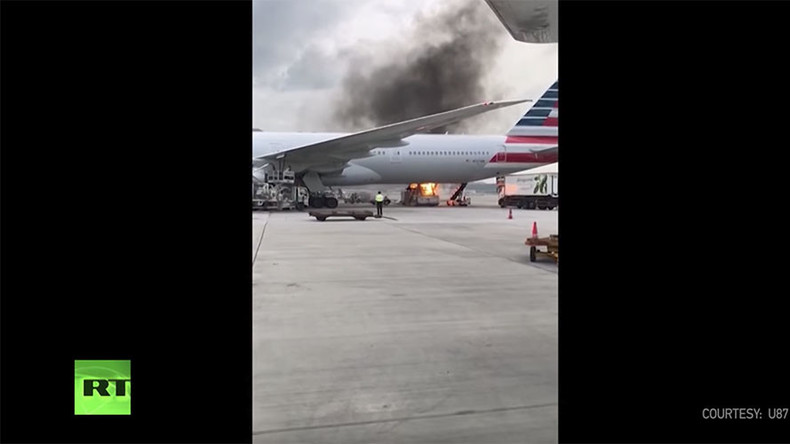 Raging inferno beside American Airlines plane spooks passengers (PHOTOS, VIDEOS)