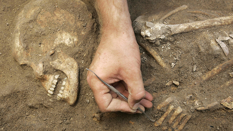 4,500yo 'fashionable' male skeleton wearing jewelry found in Turkey