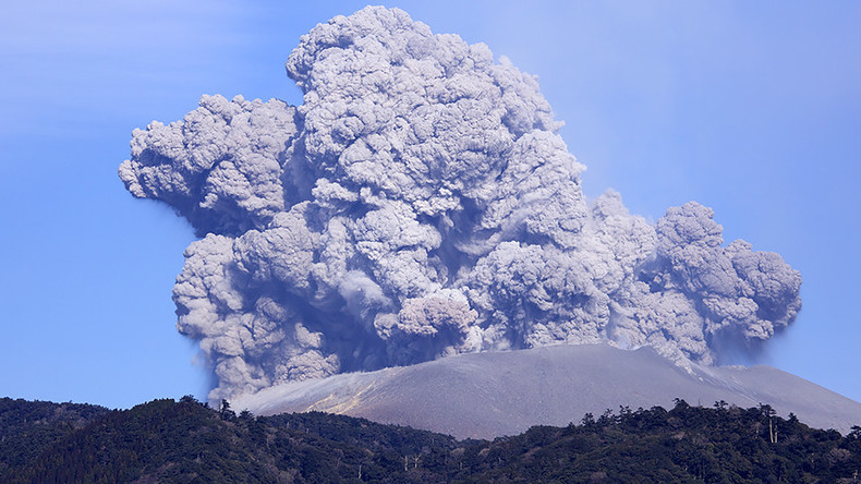 Volcano eruption raises threat level in southwestern Japan (PHOTOS, VIDEOS)