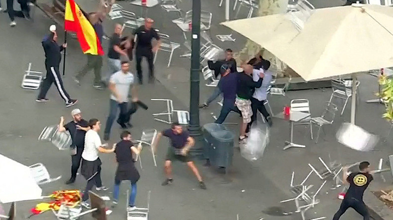 Mass riot kicks off during pro-unity march through Barcelona (VIDEOS)