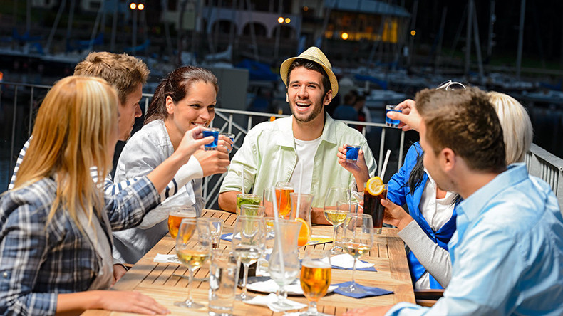 Booze boosts foreign language skills – study