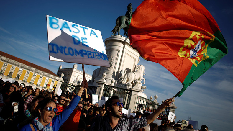 Thousands protest in Portugal against govt's failure to tackle deadly wildfires (PHOTOS)