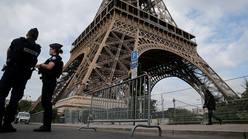 8 people, including minors, charged in France with plotting attack against mosques, politicians