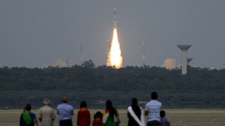 India to make moon journey 10yrs after 1st lunar mission