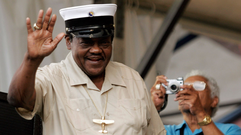 'Blueberry Hill' hitmaker Fats Domino dies aged 89 (TOP COVERS)