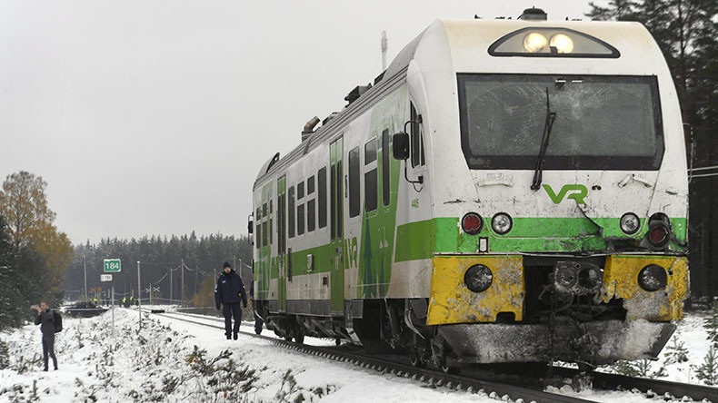 4 dead as train collides with military vehicle in Finland (PHOTOS)