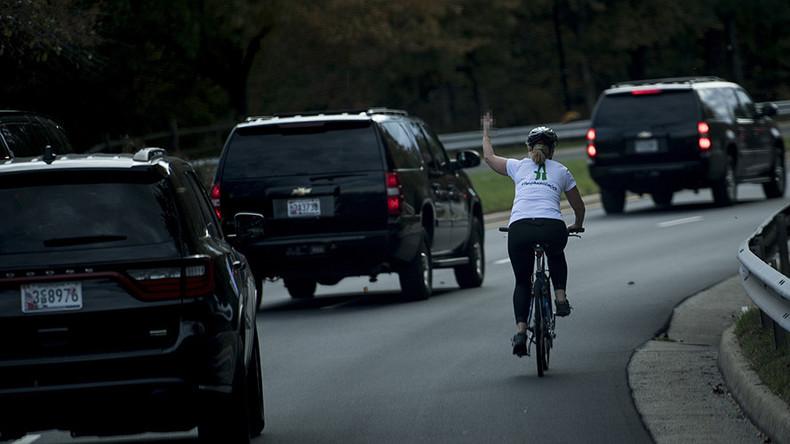 Cyclist flips Trump the bird as motorcade leaves Virginia golf course (PHOTO)