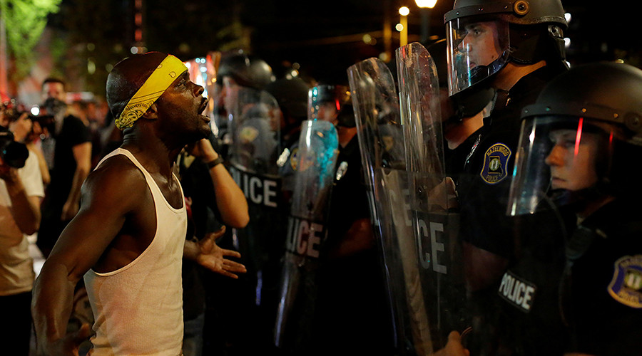 Louis measure would limit police actions at protests