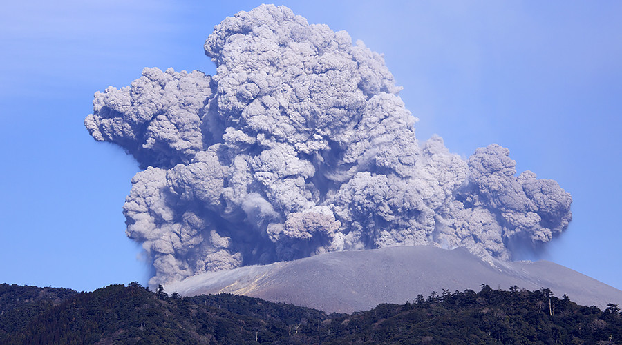Volcano eruption triggers threat level increase in southwestern Japan (PHOTOS, VIDEOS)