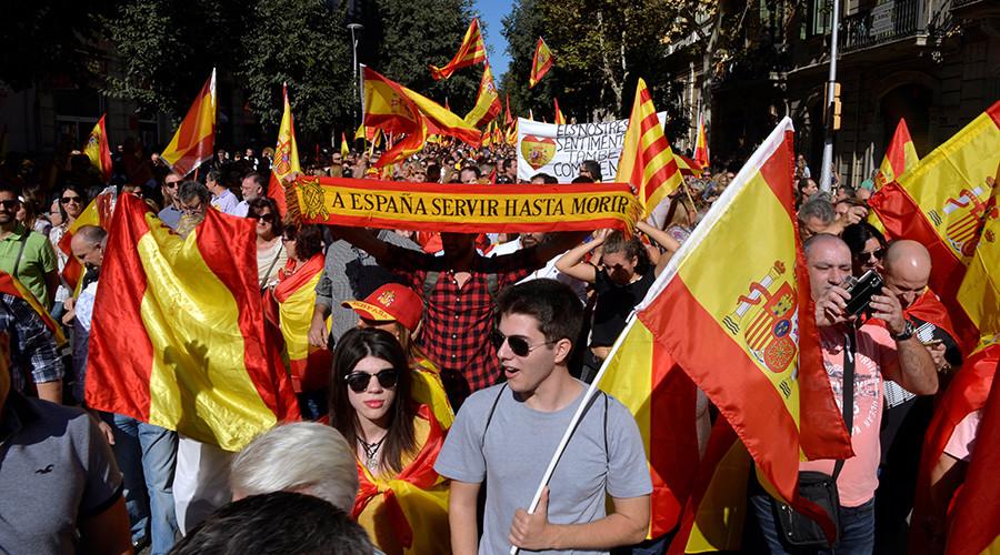 Spanish PM seeks clarity on Catalan independence declaration, threatens to suspend region's autonomy