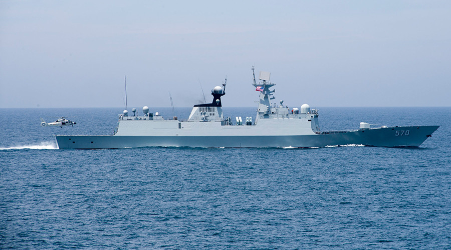 Beijing sends frigate & jets to warn off US destroyer near disputed South China Sea islands