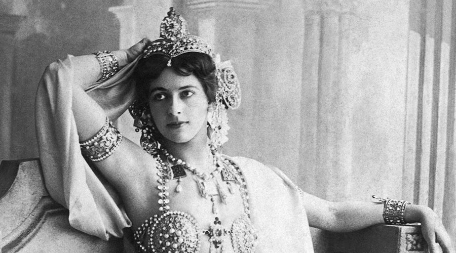 'I am ready!' Final days of Mata Hari as told by Paulo Coelho in real-time #1917LIVE tweets