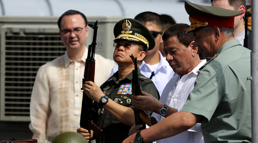 Duterte personally receives weapons shipment & tours Russian destroyer (VIDEO)