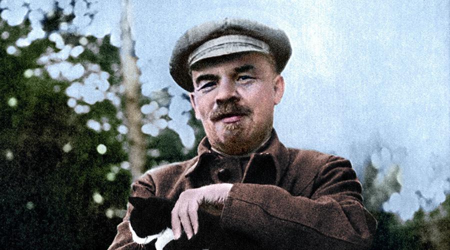 Lenin v Kerensky: Photo-artist Marina Amaral brings revolutionary color to #1917LIVE