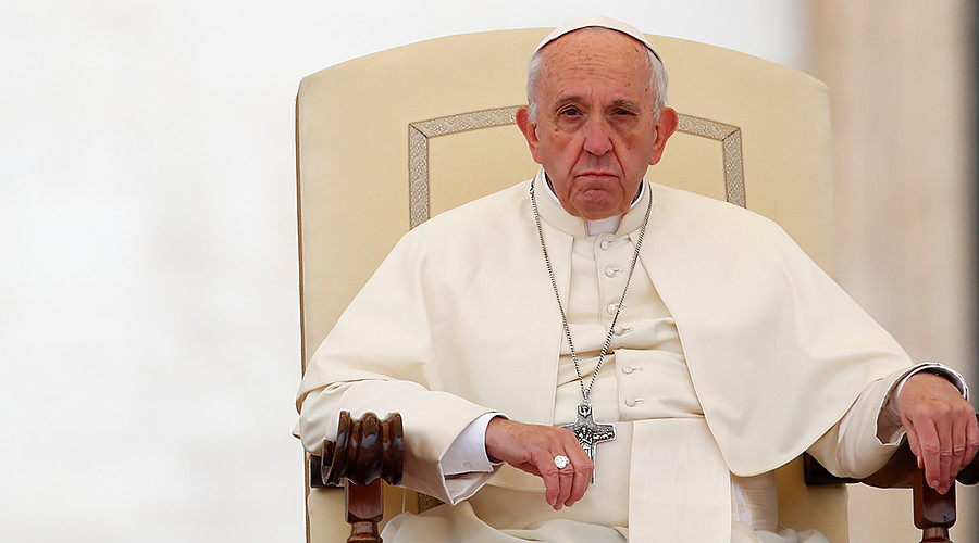 Thou shalt not report fakes: Pope Francis says bias & disinformation 'a grave sin'