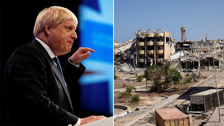 Britain's Foreign Secretary Boris Johnson (L), a general view shows destroyed buildings in the District 3 neighbourhood of Sirte, Libya (R). © Reuters / AFP
