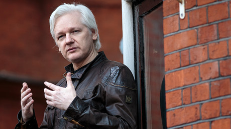 Blame Russia: Assange outlines how to be a journalist in 2017