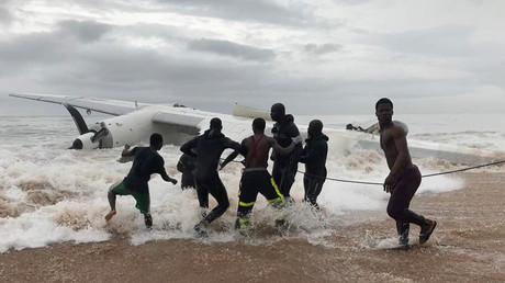 Four dead as French Army plane slams into beach in Ivory Coast (GRAPHIC VIDEO)