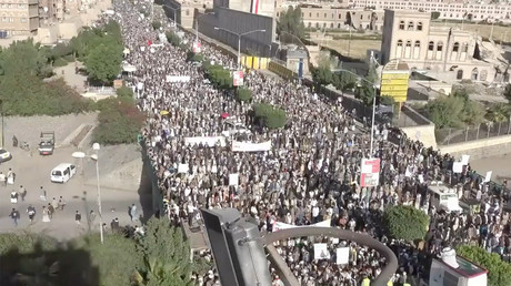 'Stop the aggression!' Thousands protest in Yemen capital to condemn Saudi-led coalition