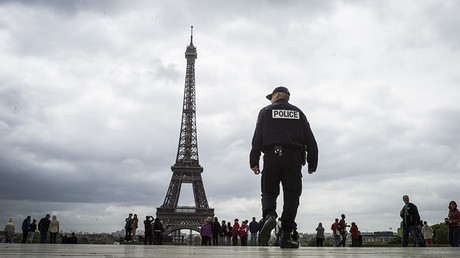 French police arrest 10 suspected extremists, plotting attack on mosques, politicians – reports